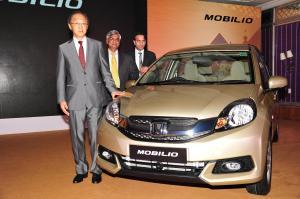 Caption- Mr.Hironori Kanayama, President-CEO,Honda Cars India, Mr.Jnaneswar Sen,Marketing and Sales & Mr.Rohit Kumar, Zonal Head Sales,South at the launch of new Honda Mobilio
