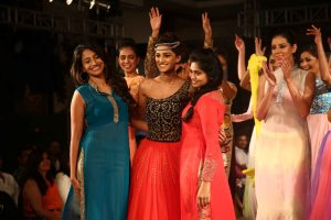Deginers Sarwari and Pooja with their showstopper actress Erica Fernandes