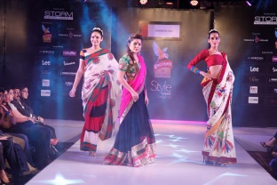 Ex Mrs. India Reet Sahu walking for designer Agni Mitra Paul