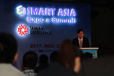 Mr. Thomas Huang, ED, Exhibition Department, Taipei, World Trade Centre speaking at the Smart Asia Expo & Summit