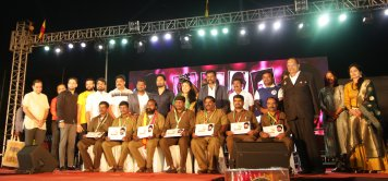 Auto Day_Gold Medal distribution to drivers